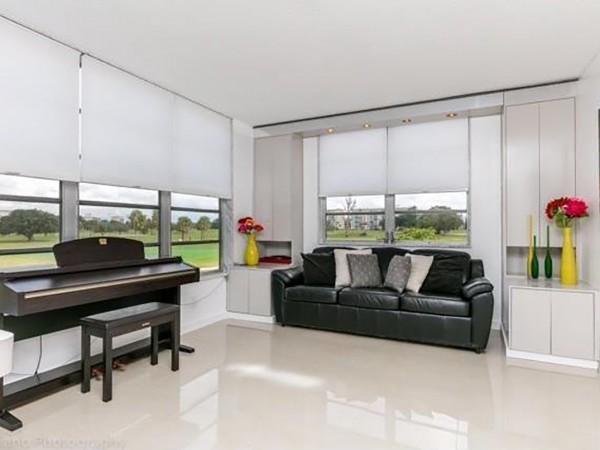 6a piano room